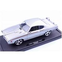 Motomax 1969 Pontiac GTO Judge 1/18 Die Cast Model Araç