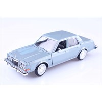 Diecast 1986 Dodge Diplomat Salon 1/24 Die Cast Model Araç