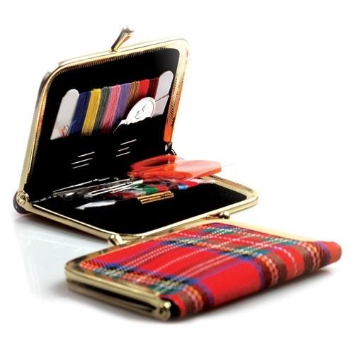 Kartopu Kırmızı Ekose Dikiş Seti - K021.1.0003