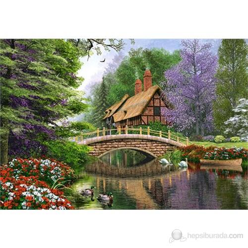 Castorland 1000 Parça Puzzle River Cottage