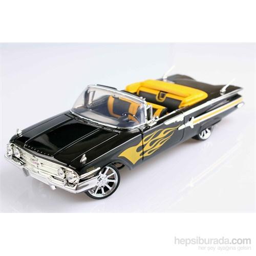 Motomax 1960 Chevy Impala 1/18 Die Cast Model Araç