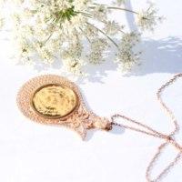 Gümüş Lale desenli nazar dualı bayan kolyesi