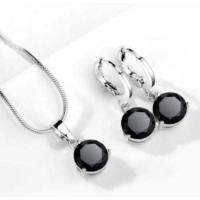 Siyah Taşlı Kolye Yuvarlak Kübik Zirkon Hipoalerjenik Kolye ve Küpe Gümüş Kaplama