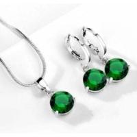 Yeşil Taşlı Kolye Yuvarlak Kübik Zirkon Hipoalerjenik Kolye ve Küpe Gümüş Kaplama
