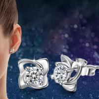 Myfavori Yeni Model Zarif Ve Gümüş Kaplama Dört Yaprak Küpe Takı Aksesuar