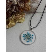 Köstebek İpli Mavi Beyaz Çiçekli Kolye