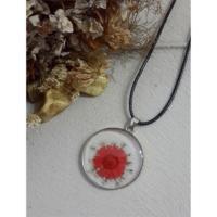 Köstebek İpli Kırmızı Papatya Ve Beyaz Çiçekli Kolye