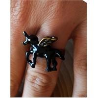 Köstebek Siyah Unicorn Yüzük
