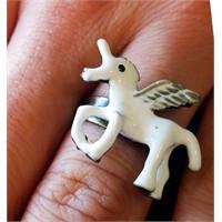 Köstebek Beyaz Unicorn Yüzük