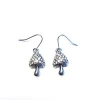 Betico Fashion Gümüş Kristal Taşlı Mantar Küpe