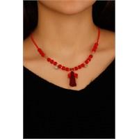 Morvizyon Kırmızı Boncuk Tasarımlı Püskül Detaylı Bayan Kolye Modeli