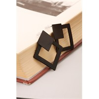 Morvizyon Siyah Kare Model Metal Tasarım Bayan Küpe