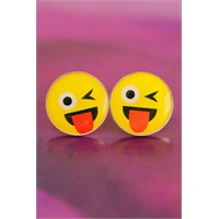 Morvizyon Emoji Tasarımlı Göz Kırpan & Dil Çıkaran Yüz İfadeli Sarı Yuvarlak Bayan Küpe Modeli