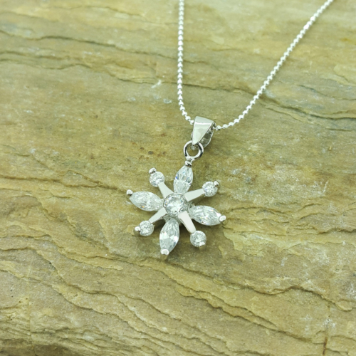 Chavin Çiçek ,Altın Kaplamalı Gümüş Bayan Kolye ah22