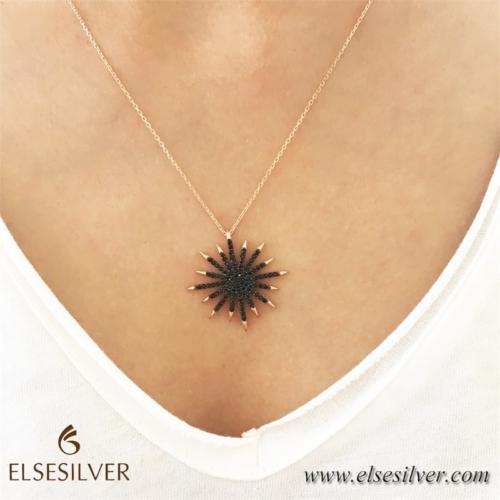 Else Silver Siyah Taşlı Yıldız Gümüş Kolye