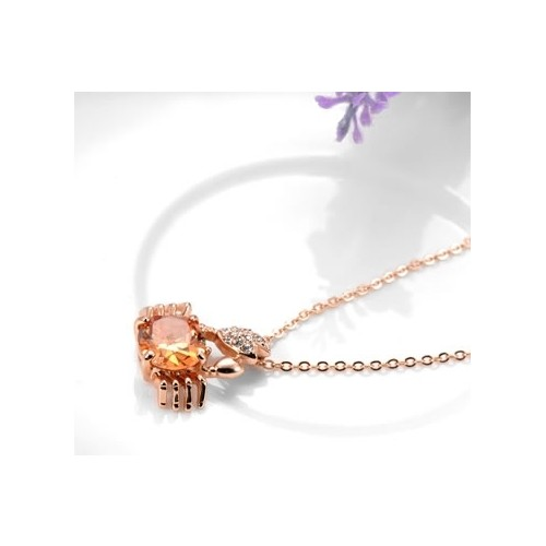 Betico Fashion Rose Gold Kristal Taşlı Yengeç Kolye