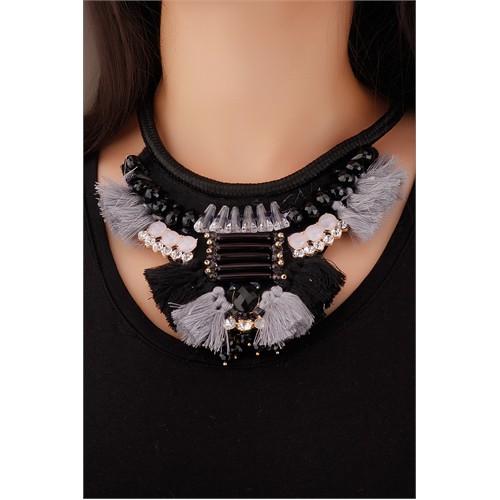 Morvizyon Gri Püskül Tasarımlı Siyah Şık Taş Detaylı Kalın Siyah İpli Bayan Kolye Modeli
