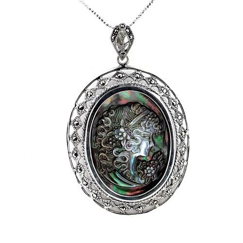 Solfera 925 Ayar Kadın Figür İşlemeli Gümüş Kolye Yanar Döner Renkli K049