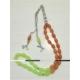 Baskaya Kahverengi El Isısında Yeşil Renk Alan Bukalemun Tesbih