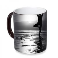 Fotografyabaskı Kumsalda Yoga Sihirli Siyah Kupa Bardak Baskı