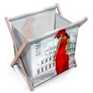 Ahşap Kenarlı Gazetelik Newyork Kırmızı Elbiseli Kadın (36*26*36)