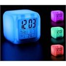 Renk Değiştiren Alarmlı Dijital Saat