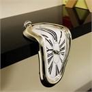Eriyen Saat - Melting Clock