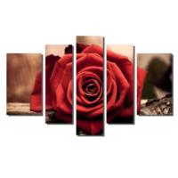 Dekor Sevgisi Ağaç Üzerindeki Kırmızı Gül Tablosu 84x135 cm