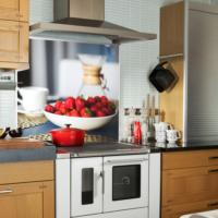 Kokmaz Bulaşmaz Silinebilinir Mutfak Kırmızı Çilekler Sticker 58 x 52 cm
