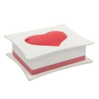 Beyaz kalp kutu