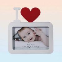 Out Of The Blue Photoframe I Love - Kırmızı Kalpli Fotoğraf Çerçevesi - 10 x 15 - I Love