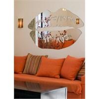 Dudak Formunda Kesilmiş Ayna