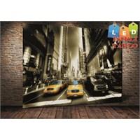 Tablo İstanbul Times Square Taksiler Led Işıklı Kanvas Tablo 45 X 65 Cm
