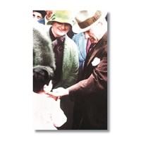 Ritmo-Atatürk Ve Çocuk Kanvas Tablo