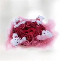 Sevgiliye Mini Ayıların Romantik Gül Sepeti