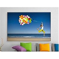 Balonla Uçan Kadın Kanvas Tablo