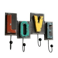 Ahşap Askı Love