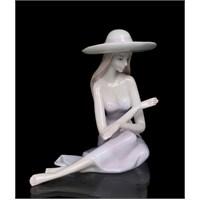 Şapkalı Kadın Figürlü Porselen Biblo