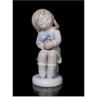 Kız Çocuk Ve Oyuncağı Figürlü Porselen Biblo