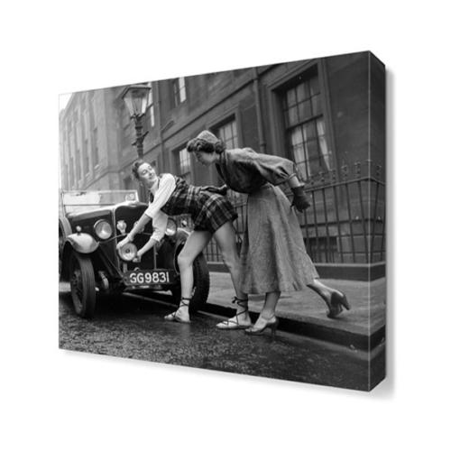 Dekor Sevgisi Araba ve Kadınlar Tablosu 30x30 cm