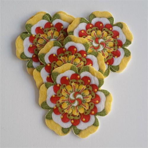 Desenli Keçeler Çiçek Desenli Keçe Aplike