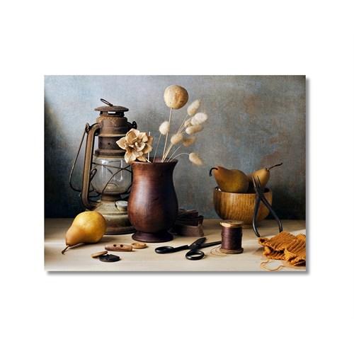 Tictac Masadaki Eşyalar Kanvas Tablo - 40X60 Cm