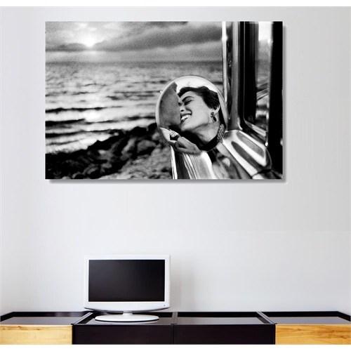 Tictac Aynadaki Aşk Kanvas Tablo - 50X75 Cm