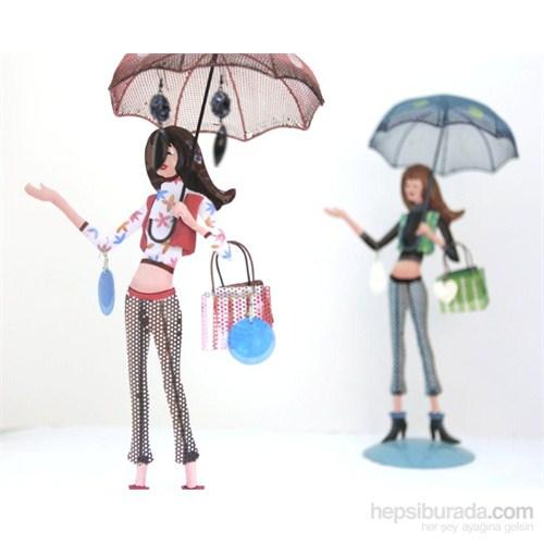 Takılık Pembe Şemsiyeli Genç Kız