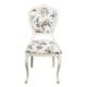 Dekoroda Çiçek Desenli Sandalye