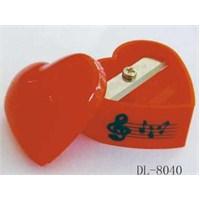 Kalp Şeklinde Notalı Kırmızı Kalemtraş
