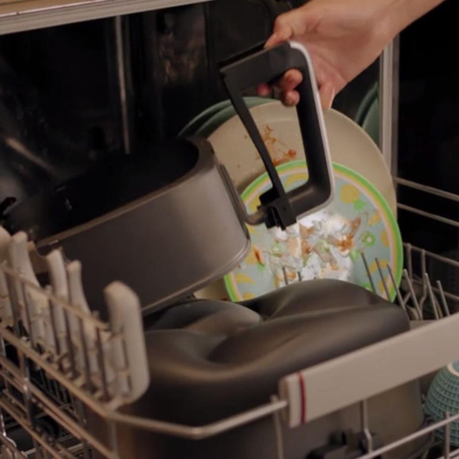 Tüm çıkarılabilir parçalar bulaşık makinesinde yıkanabilir
