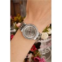 Morvizyon Gümüş Metal Kaplama Kristal Taş Kasa Tasarımlı Bayan Saat Modeli