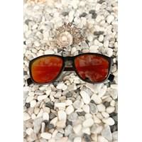 Morvizyon Clariss Marka Siyah Mat Çerçeve Kırmızı Renk Cam Bayan Güneş Gözlük Modeli