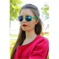 Morvizyon Clariss Marka Beyaz Çerçeveli Renkli Cam Tasarımlı Şık Bayan Güneş Gözlük Modeli